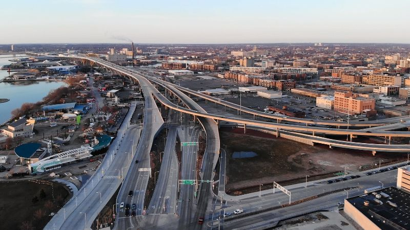 Milwaukee_Highway_Interchange_Tellier_800x450-min.jpg
