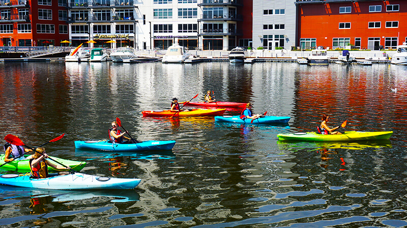 Milwaukee_Kayak_800x450.jpg